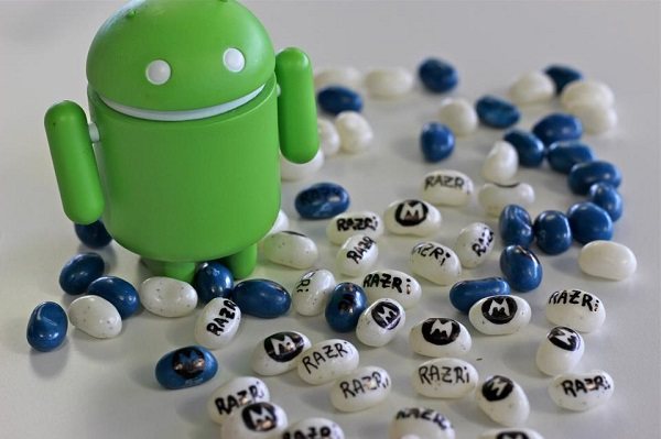 razr_i_android_4.1_jelly_bean_FB