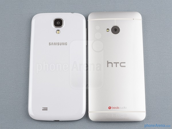galaxy_s4_vs_htc_one_PA_back